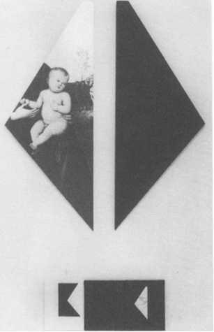 """""""Le désir de Perugino"""" 1983. Peinture acrylique sur toile, photographie N/B, dessin à l'encre de chine sur toile, 82 X 35cm, 158 X 90 X 90 cm."""