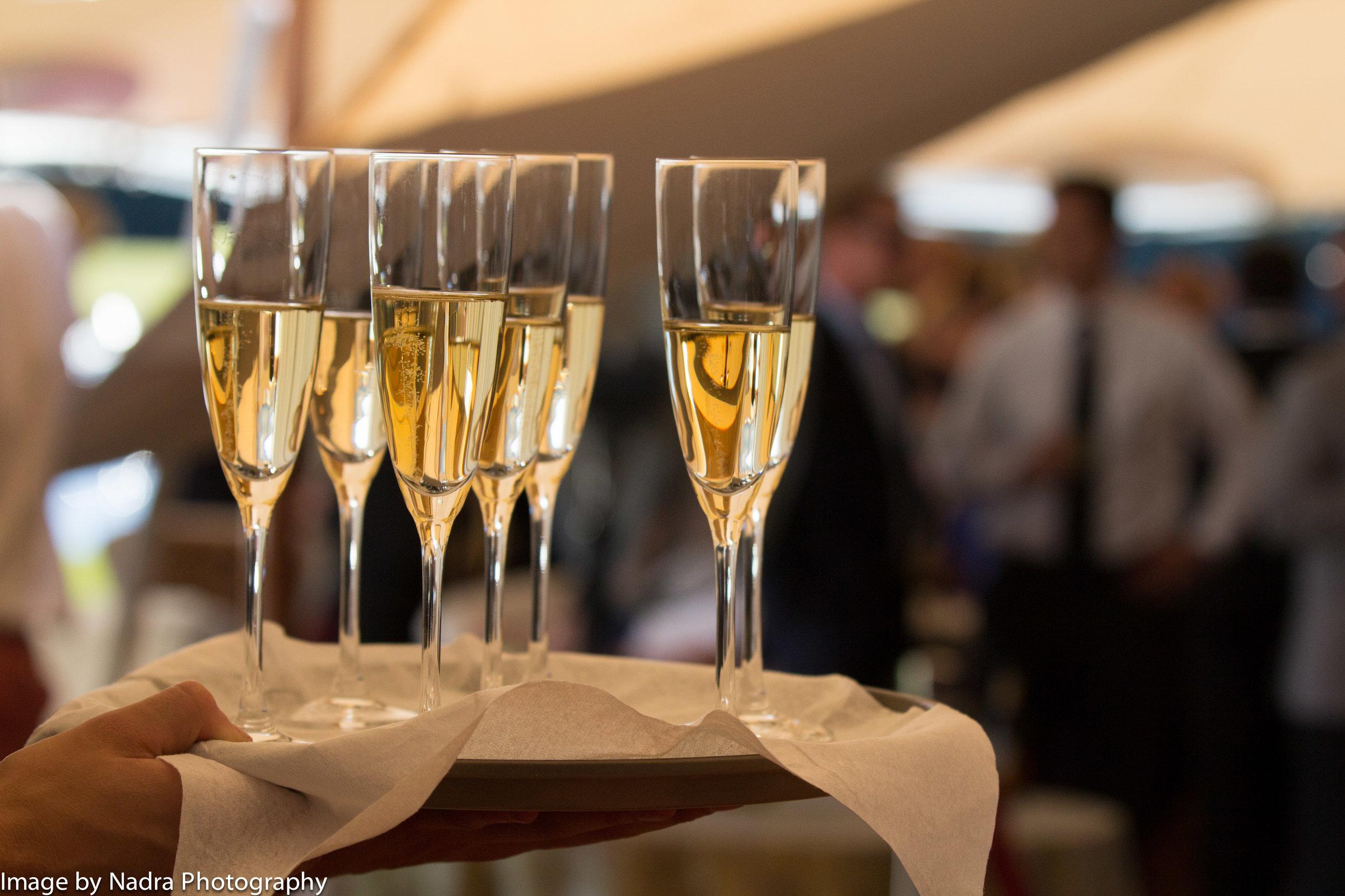 Details_newyears_champagneflutes.jpg