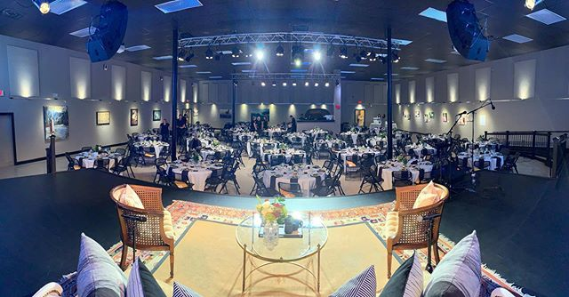 Amazing setup and evening at the @hopepregnancycenter_boone Benefit Banquet last week. Hope Pregnancy Center is an amazing organization doing invaluable work in our community for no cost to its clients and it's an honor to serve what they do! . . . #harvesthouseboone #harvesthouse #hopepregnancycenterboone #hopepregnancycenter #live #liveevent #production #corporateevents #highcountry