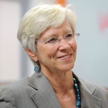 Joan Hendricks   Dean, University of Pennsylvania Veterinary School