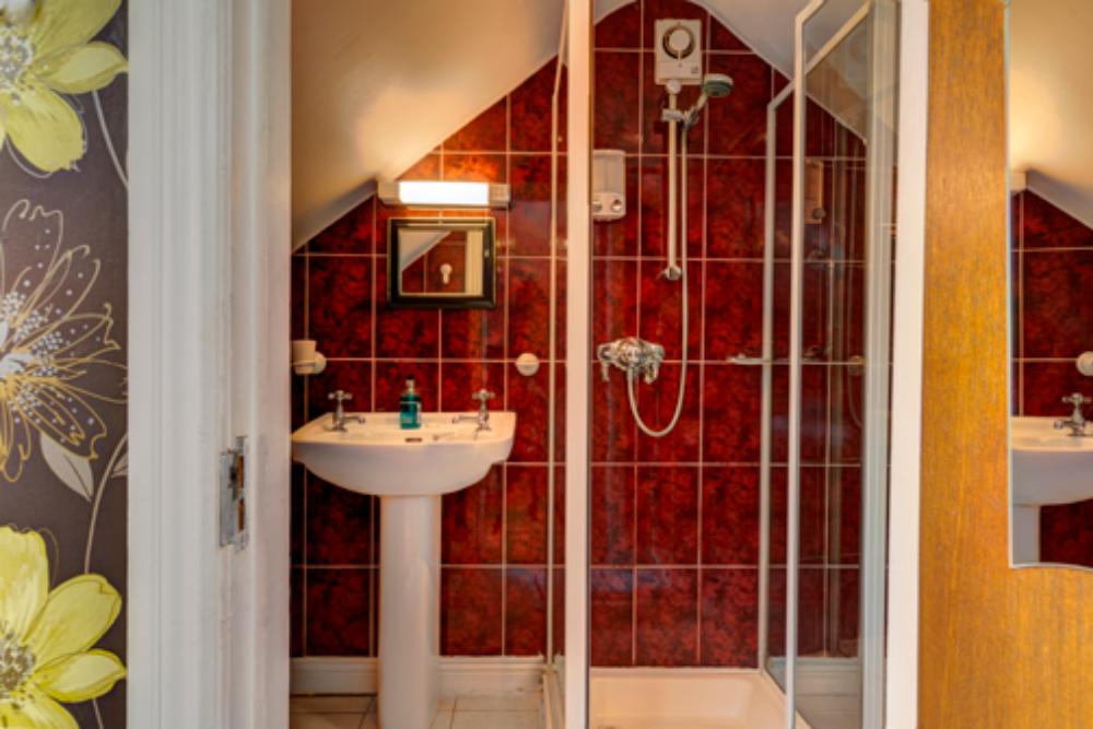 Avoca House B&B Bathroom