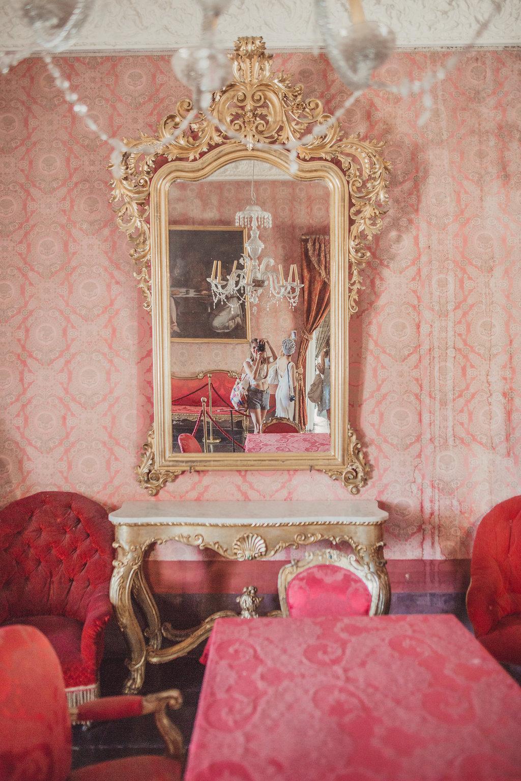 travellur_watercolours_sicily_slow_travel_retreat_colour_architecture_pink_velvet