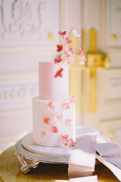 travellur_slow_travel_photoshoot_paris_Le_Secret_D_Audrey_madeincake_wedding_world_luxury.jpg