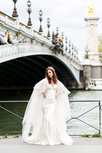 travellur_slow_travel_bridal_shoot_paris_bridge_dress_galia_lahav.jpg