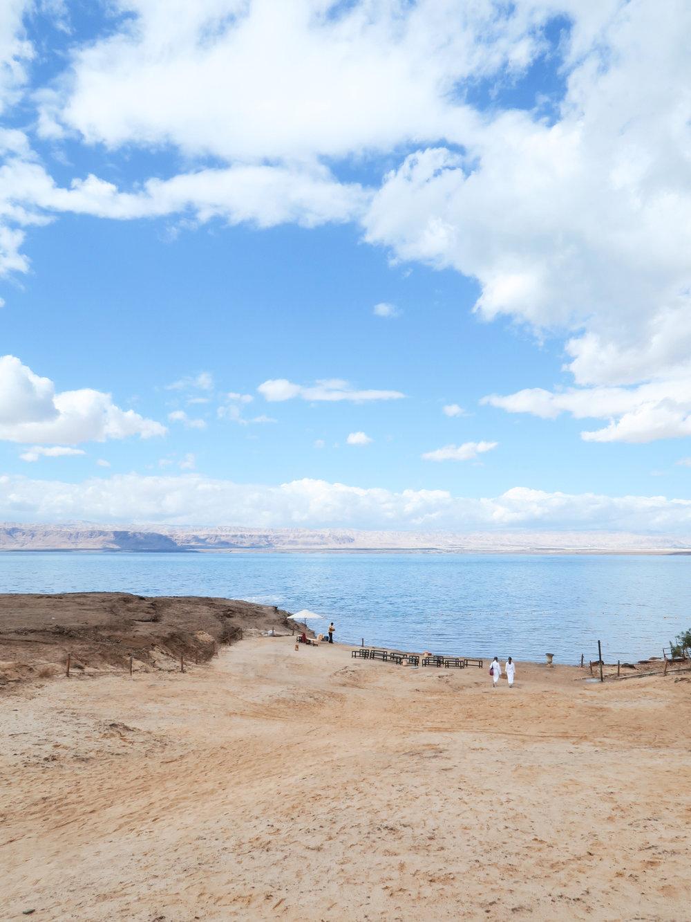 travellur_slow_travel_destination_jordan_swim_sea.jpg.jpg