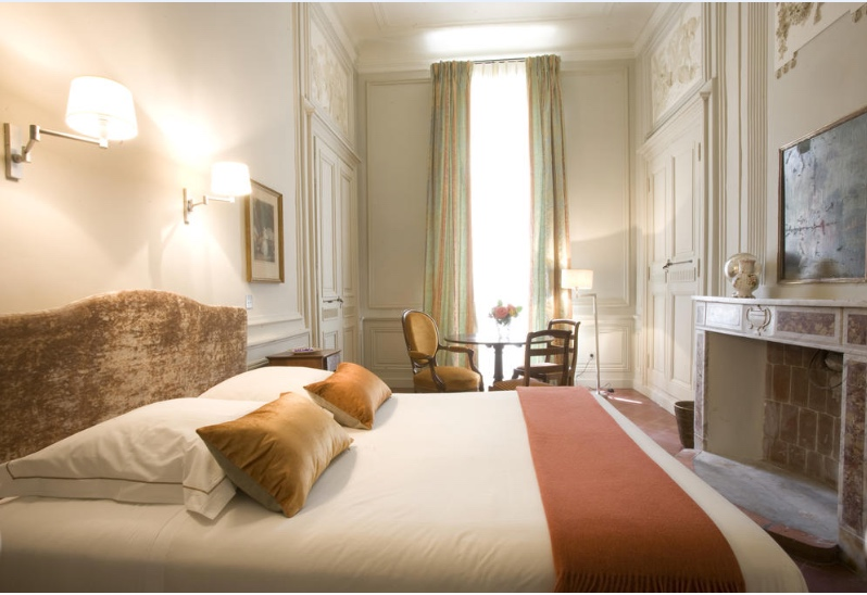 Provence_wedding_venue_tou_bedroom4.jpg