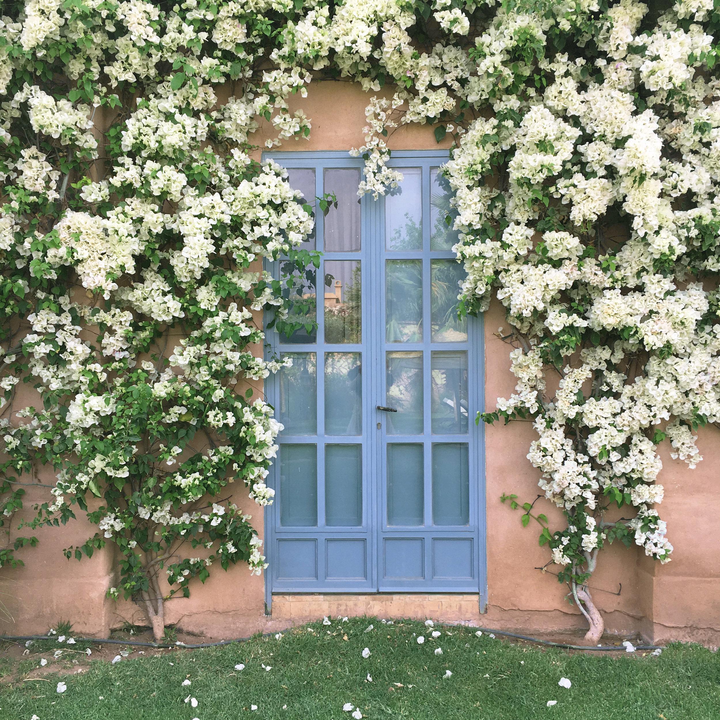 travellur_slow_travel_creative_retreat_morocco_watercolours_venue_door_flowers_edit.jpg