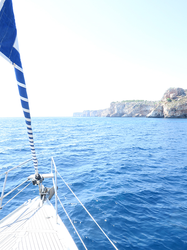 slow-travel-mallorca-boat-ride.jpg