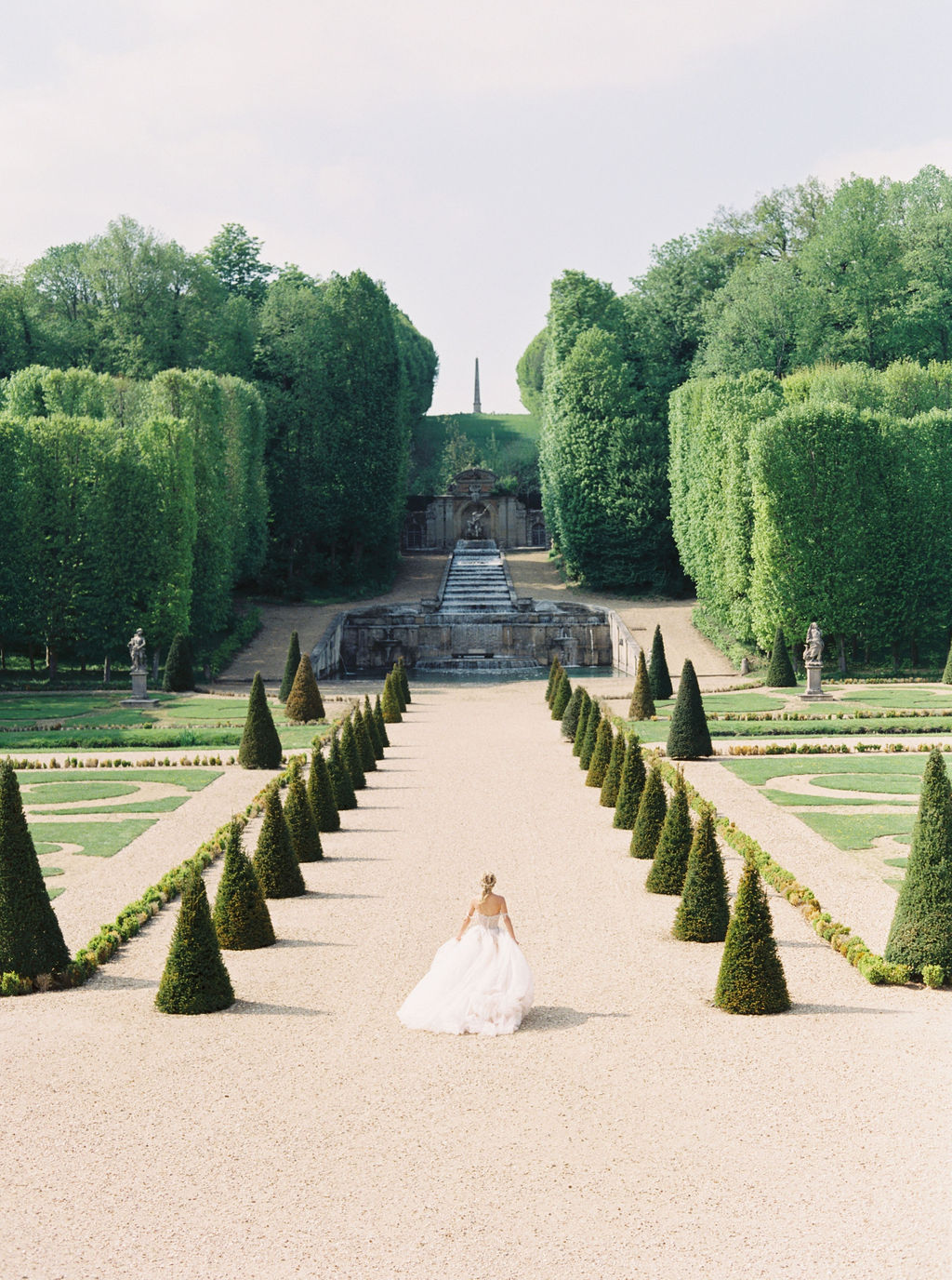 travellur_photoshoot_duchesse_de_villette_gardens_beauty_bride.jpg