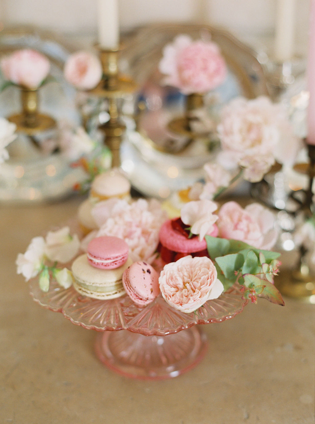 travellur_photoshoot_duchesse_de_villette_wedding_flowers_pastel.jpg