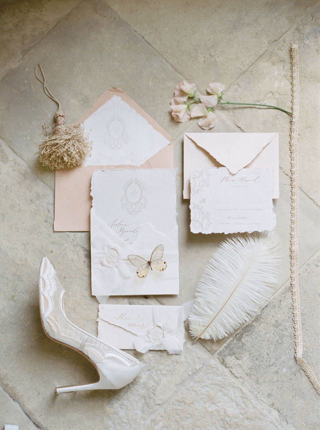 travellur_photoshoot__elegance_Jardin_de_Chateau_de_Villette_wedding_stationary_bridal_shoes_bella_belle.jpg