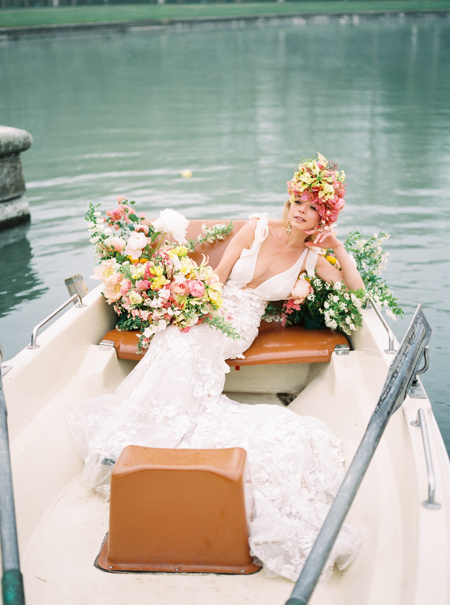 travellur_photoshoot__summer_in_versailles_wedding_flowers_bridal_luxe_shoot_floral_france_boating_luxe.jpg