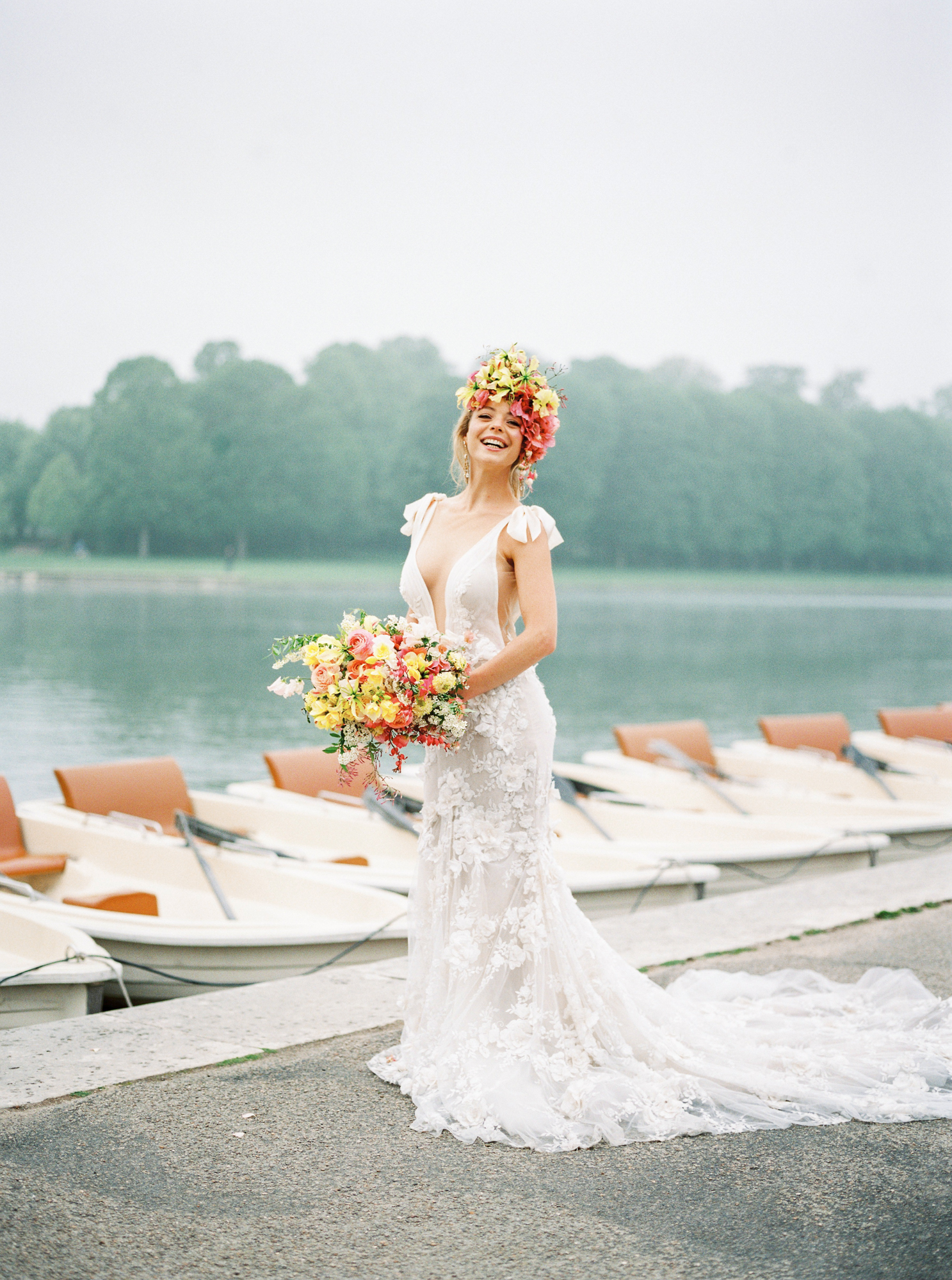 travellur_photoshoot__summer_in_versailles_wedding_flowers_bridal_luxe_shoot_floral_france_dress_wedding_gown_galialahav.jpg