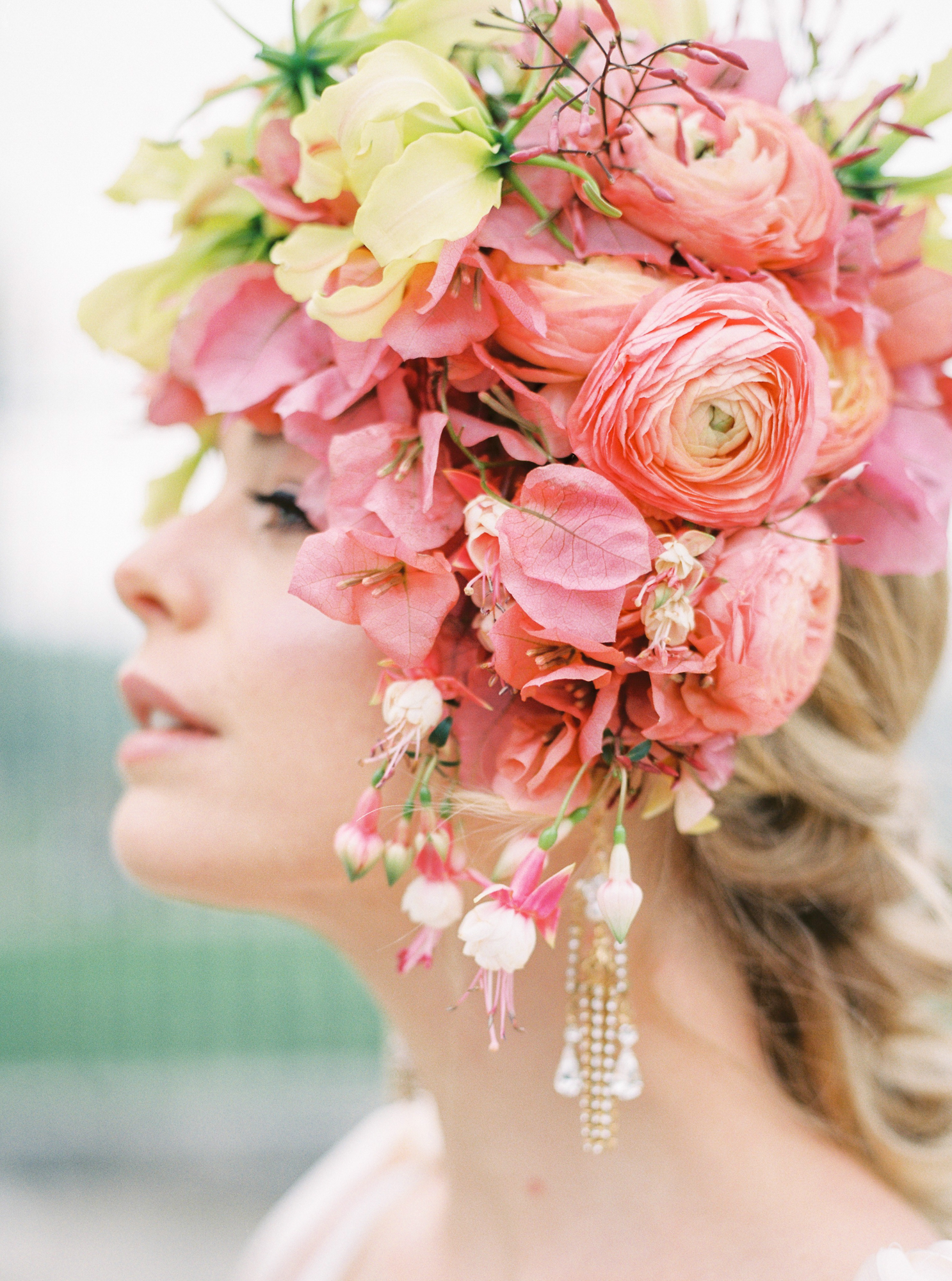 travellur_photoshoot__summer_in_versailles_wedding_flowers_bridal_luxe_shoot_floral_france_isibeal_studio_detail.jpg