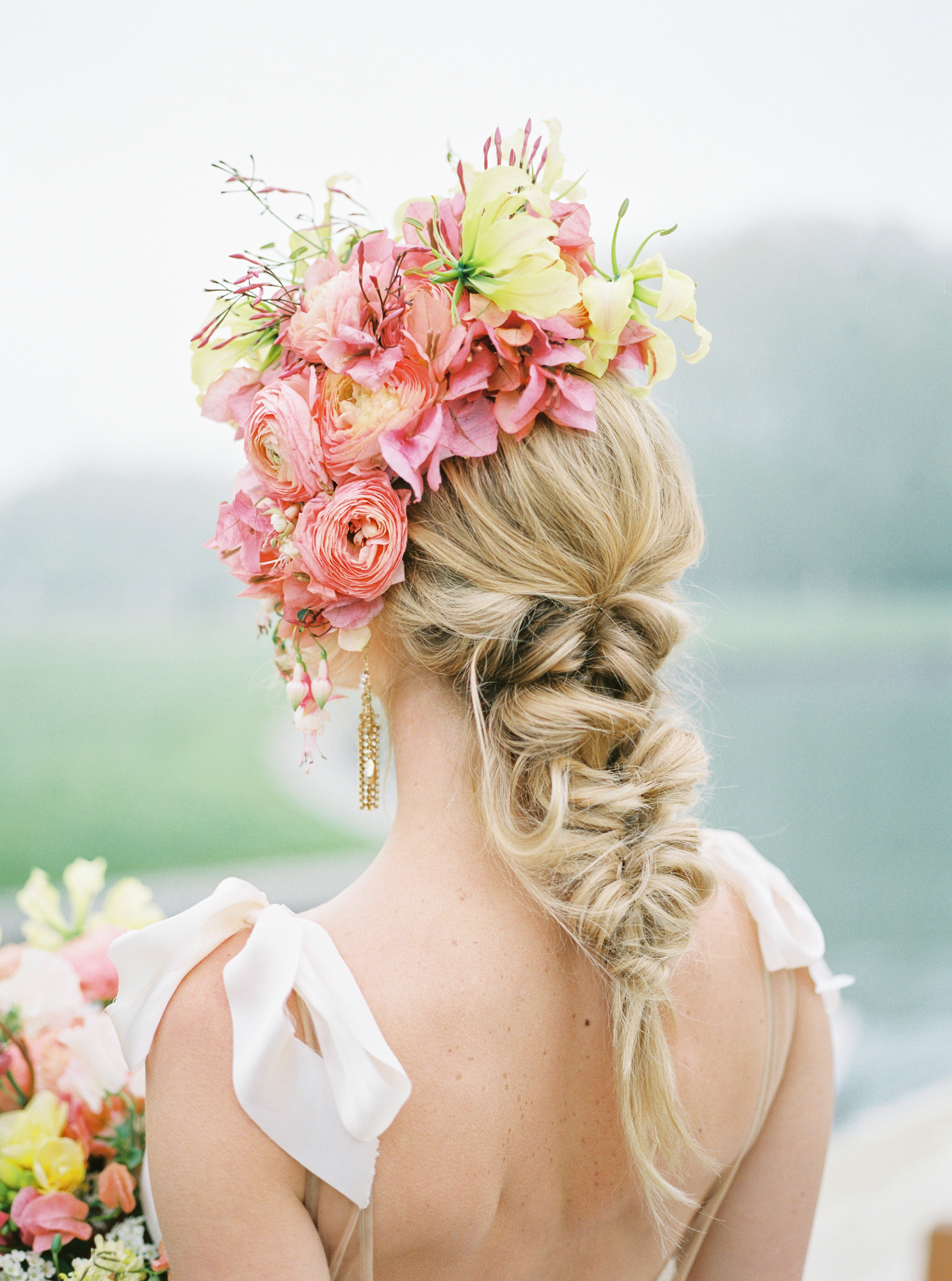 travellur_photoshoot__summer_in_versailles_wedding_flowers_bridal_luxe_shoot_floral_france_isibeal_studio_hair_trine_juel.jpg