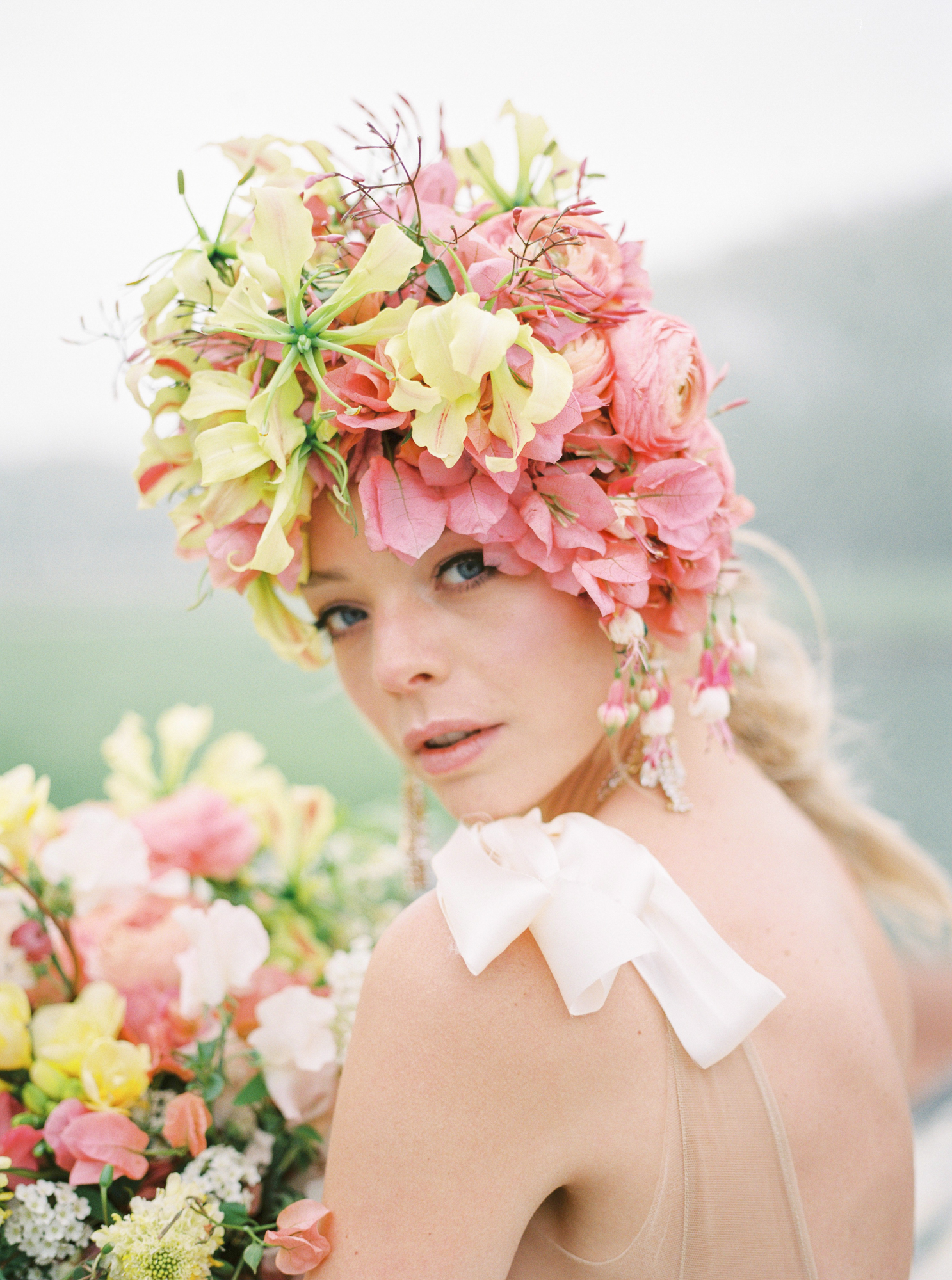 travellur_photoshoot__summer_in_versailles_wedding_flowers_bridal_luxe_shoot_floral_france_isibeal_studio.jpg