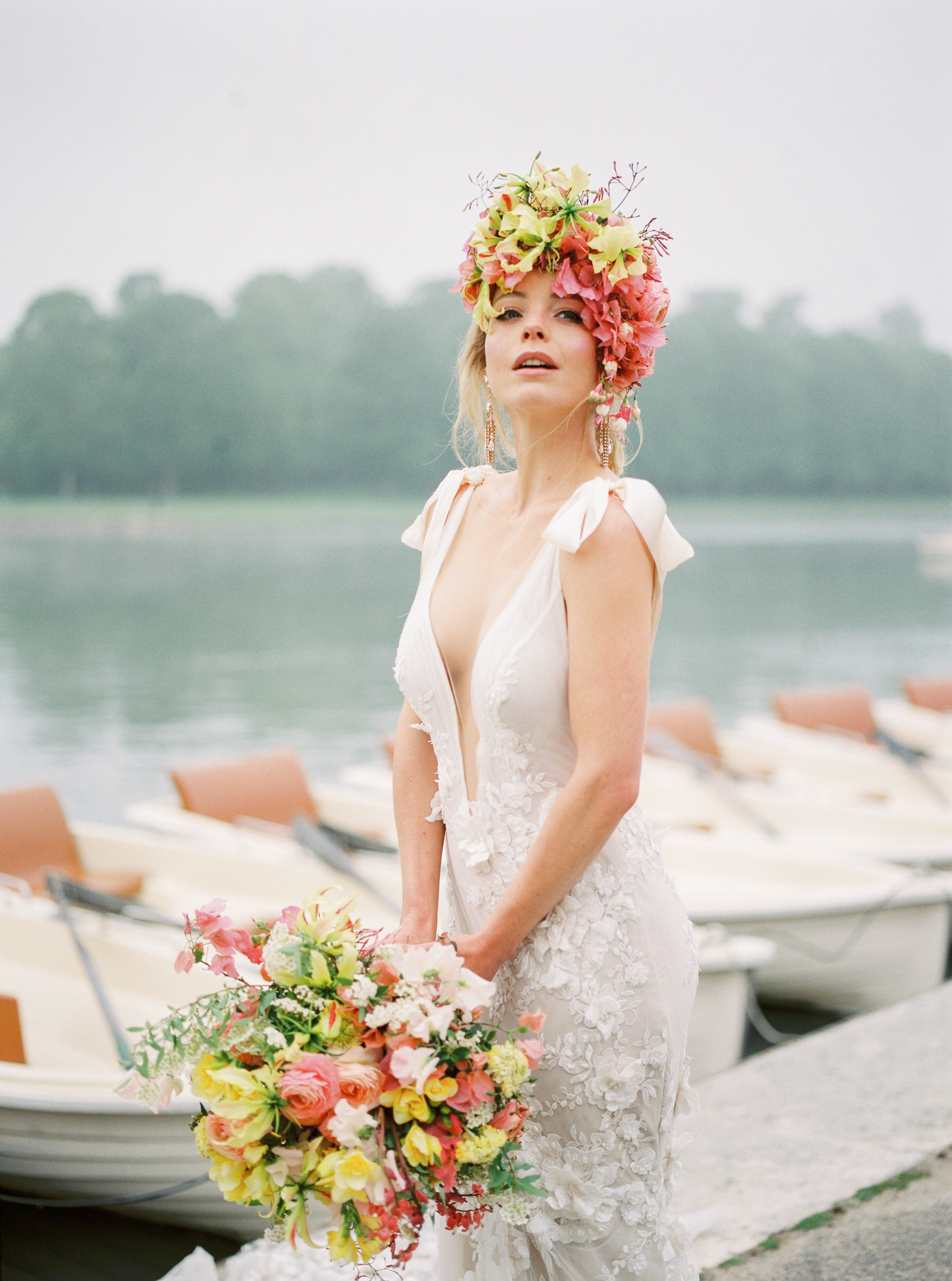 travellur_photoshoot__summer_in_versailles_wedding_flowers_bridal_luxe_shoot_floral_france_bride_head_dress_bouquet.jpg