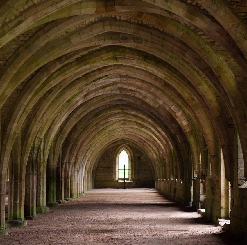 FountainsAbbey-YorkshireEngland.jpg