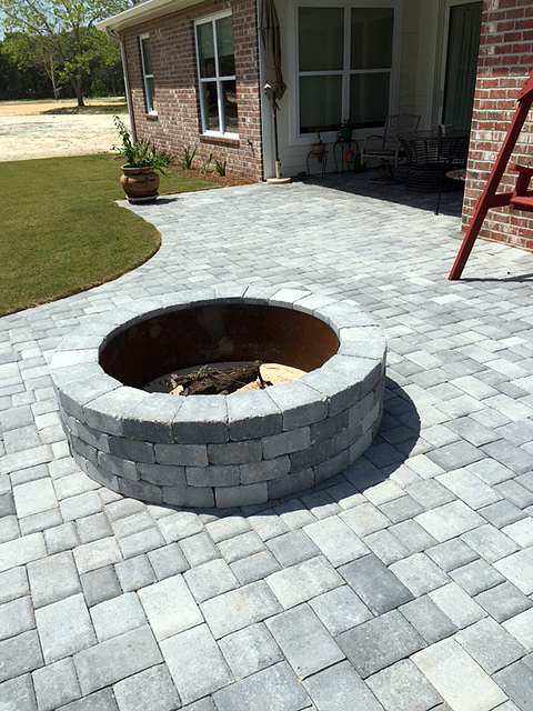 Silverstone (3-Piece) with Fire Pit