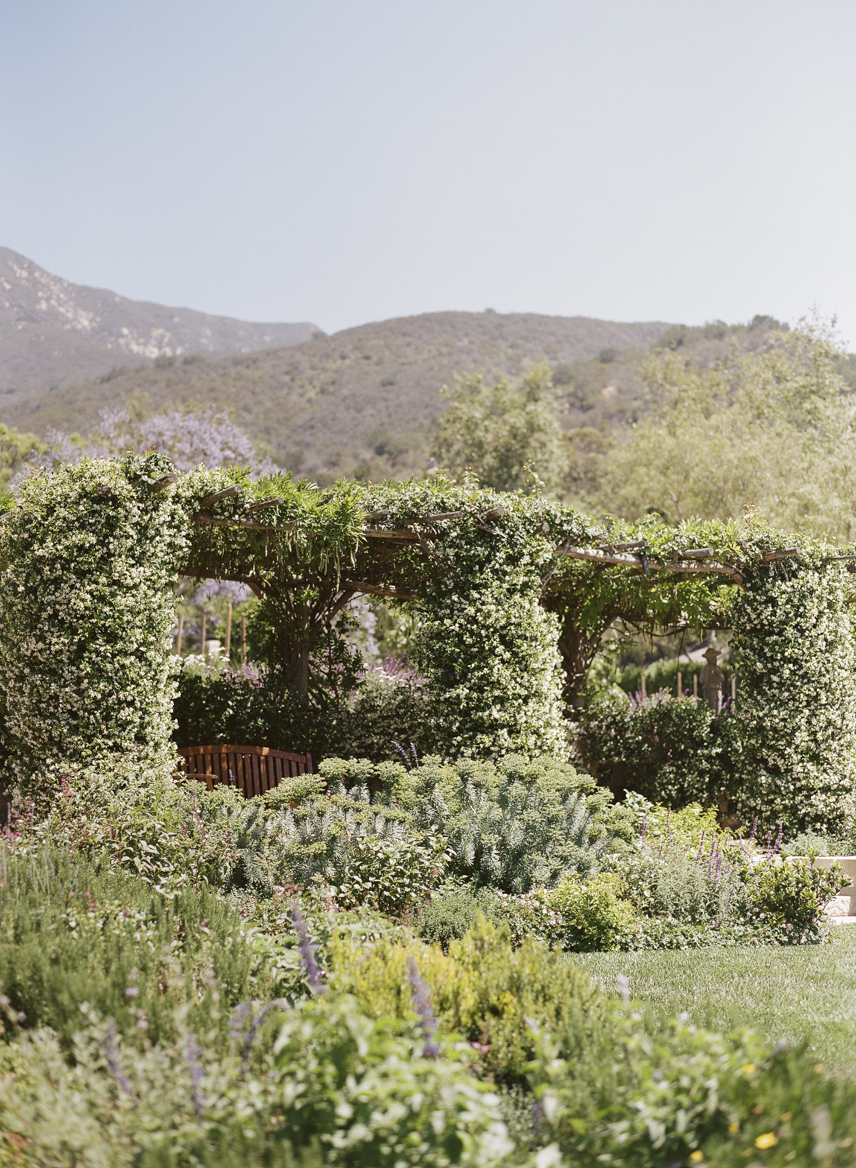 santabarbarawedding.com | Santa Barbara Wedding Style Blog | Weddings at San Ysidro Ranch | Kristen Beinke Photography | Garden Wedding Ideas
