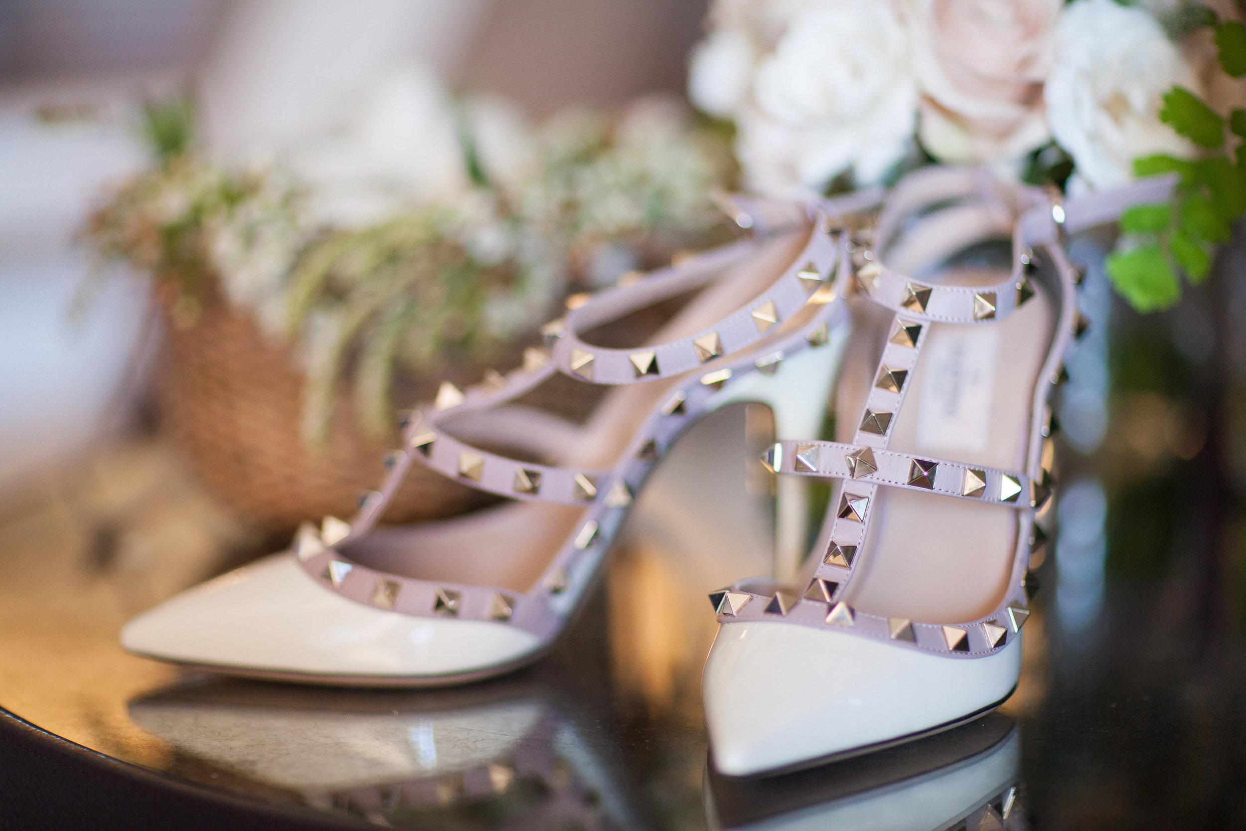 santabarbarawedding.com | photo: Melissa Musgrove | Elegant Bacara Wedding with Wild Greenery Ceremony Arbor