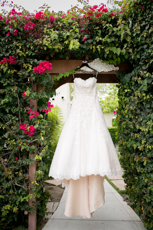 www.SantaBarbaraWedding.com | Santa Barbara Wedding Style | Wedding Photography | Kelsey Crews | Wedding Planning | Wedding Designer | Felici Events | Zohe Felici | Photography Tips | Wedding Dress
