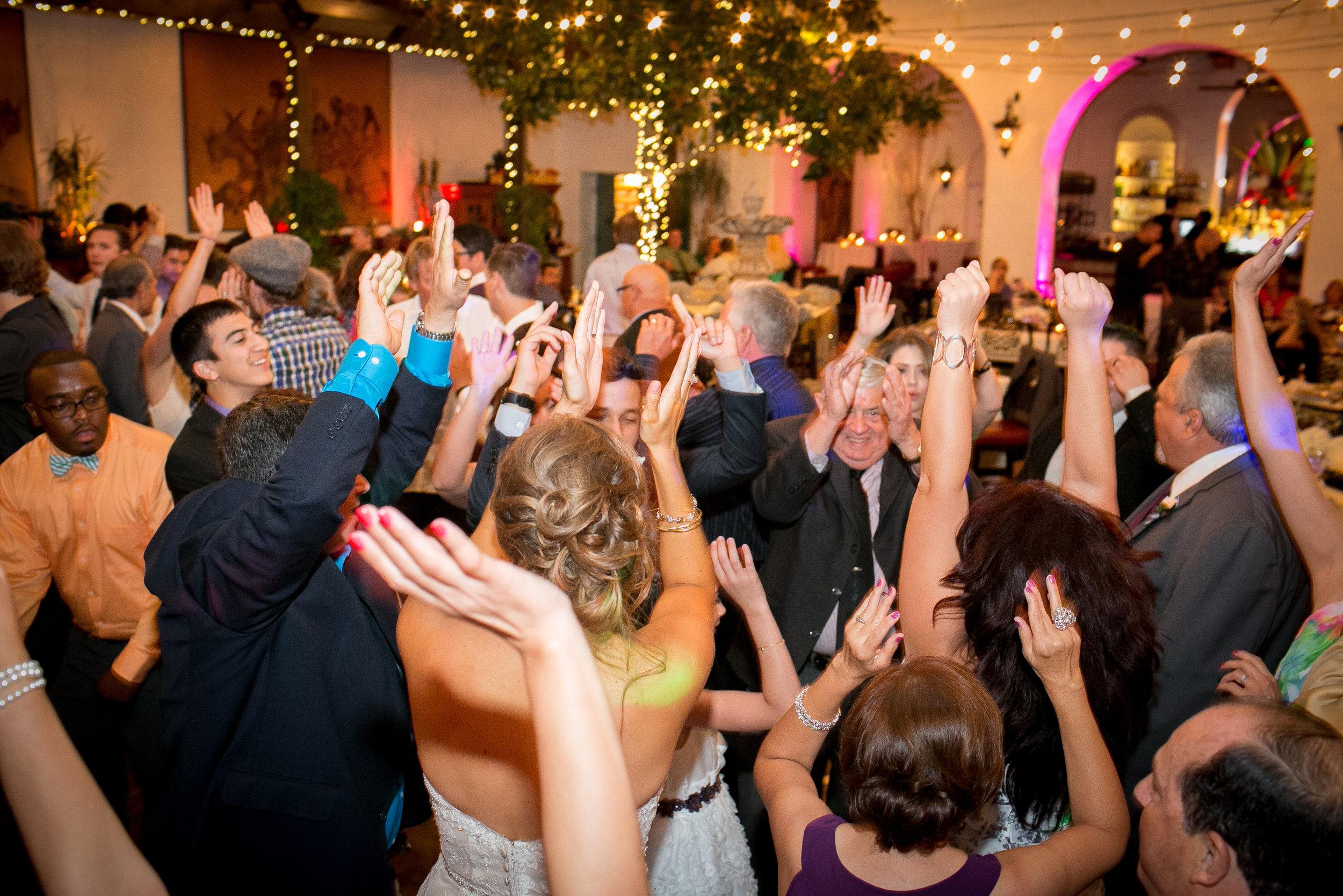 www.SantaBarbaraWedding.com | Santa Barbara Wedding Style | Wedding Photography | Kelsey Crews | Wedding Planning | Wedding Designer | Felici Events | Zohe Felici | Photography Tips | Wedding Planner