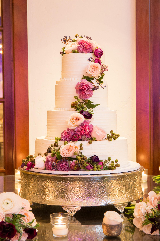 www.santabarbarawedding.com | Santa Barbara Wedding Style |  Buttercream frosting Three tier wedding cake | Melissa Musgrove Photography | Bacara Resort and Spa