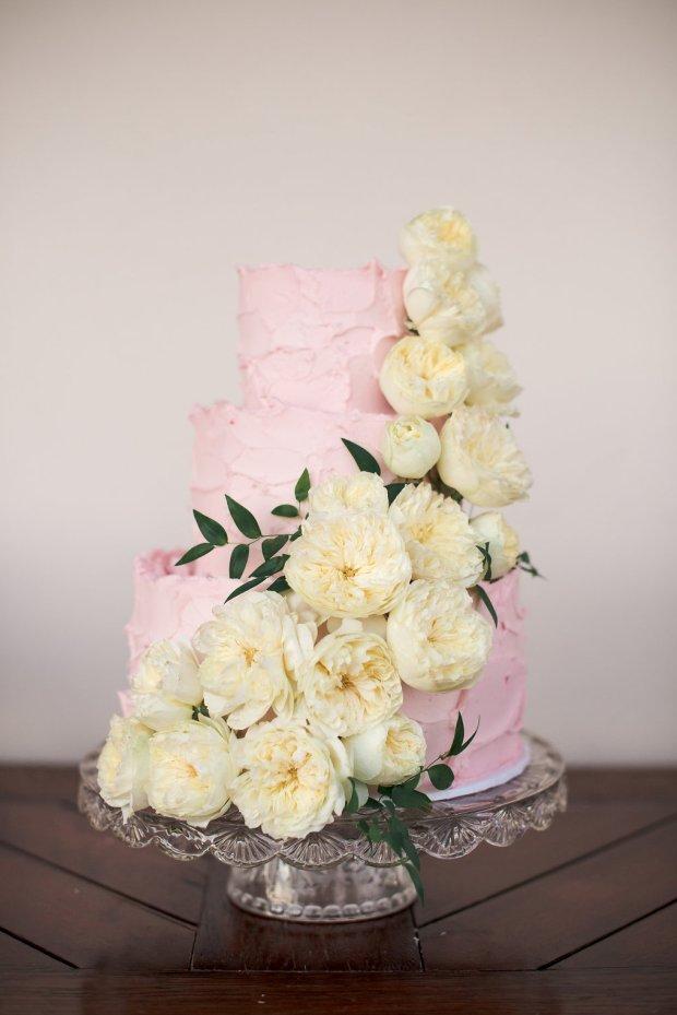 www.santabarbarawedding.com | Santa Barbara Wedding Style | Pink Buttercream frosting Three tier wedding cake | Soleil Events | Enjoy Cupcakes