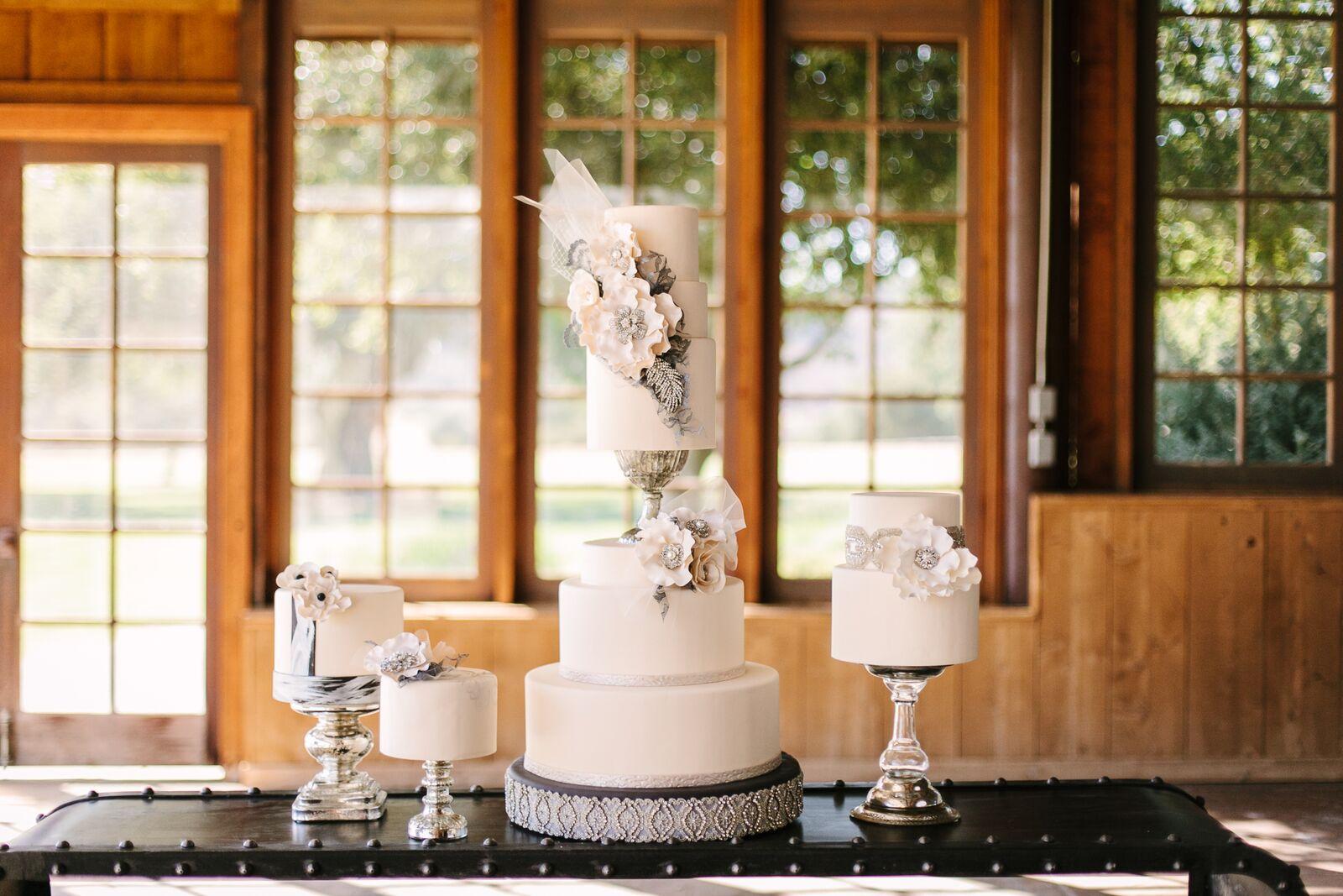 www.santabarbarawedding.com | Santa Barbara Wedding Style |  Fondant Sleek Four tier wedding cake | Brian Leahy Photography | Rani Hoover Weddings Planning