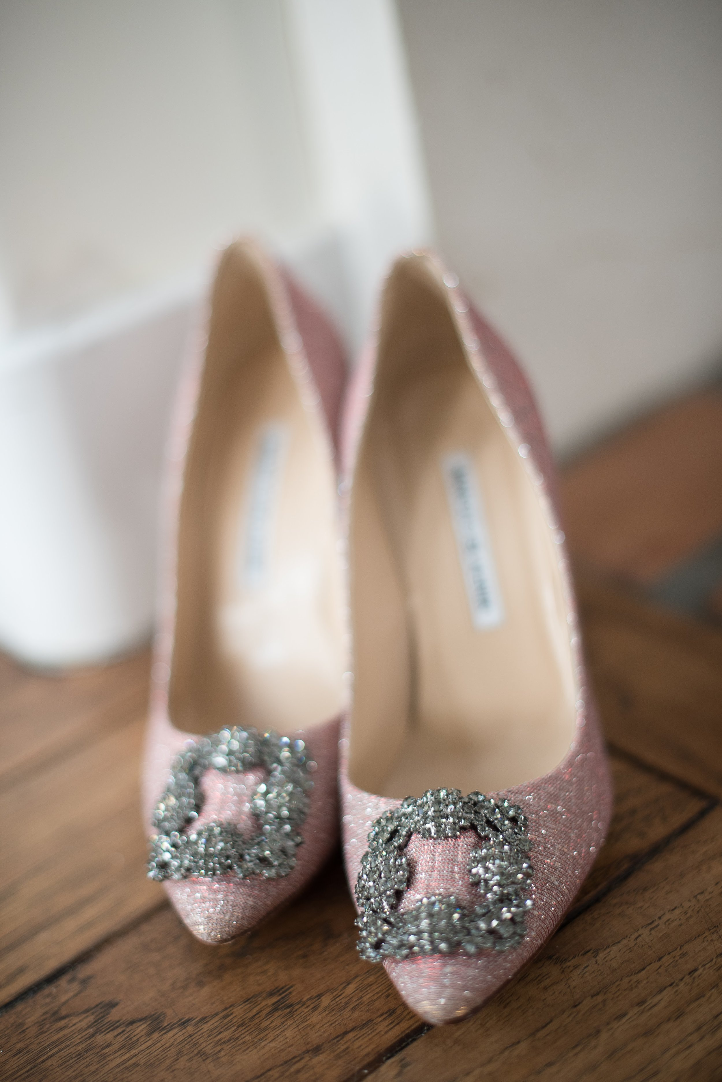 www.santabarbaraweddingstyle.com | Santa Barbara Wedding Style | Wedding Shoes | Pink Manolo Blahnik | El Encanto Wedding | Nate and Jenny Weddings
