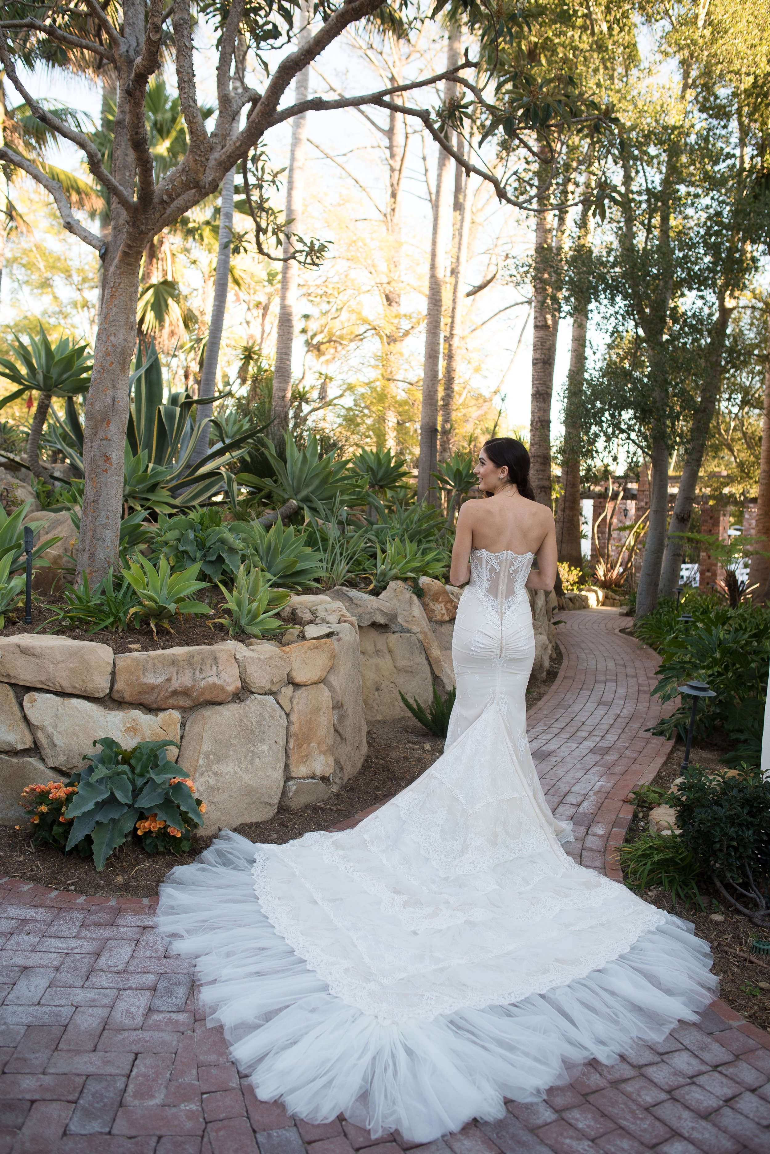 www.santabarbaraweddingstyle.com | Santa Barbara Wedding Style | Precious and Blooming | El Encanto Wedding | Nate and Jenny Weddings | Bride in Wedding Dress