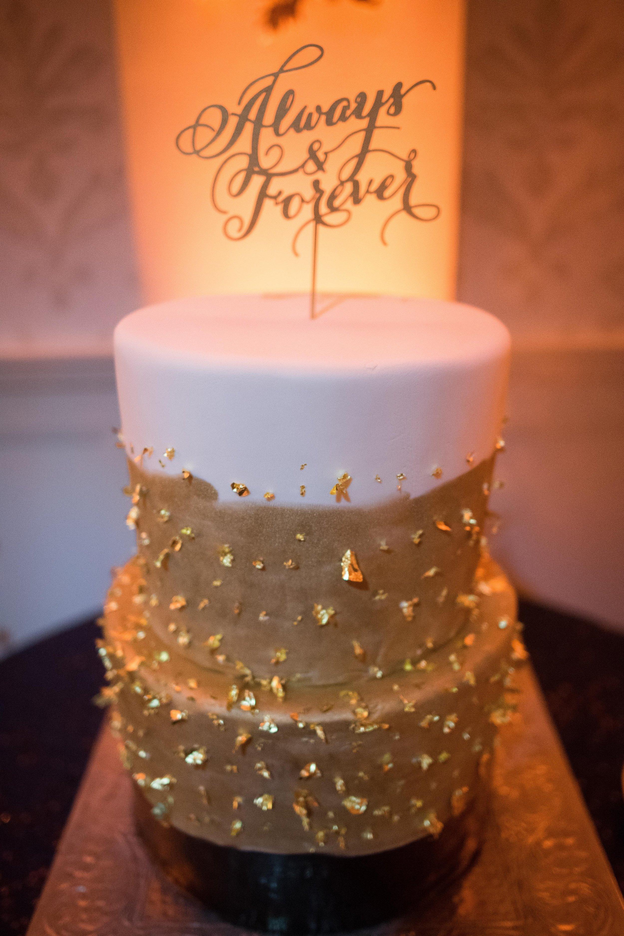 www.santabarbaraweddingstyle.com | San | Felici Events | Belmond El Encanto | Nate & Jenny Weddings | Precious and Blooming | Reception | Navy and Gold Wedding Cake