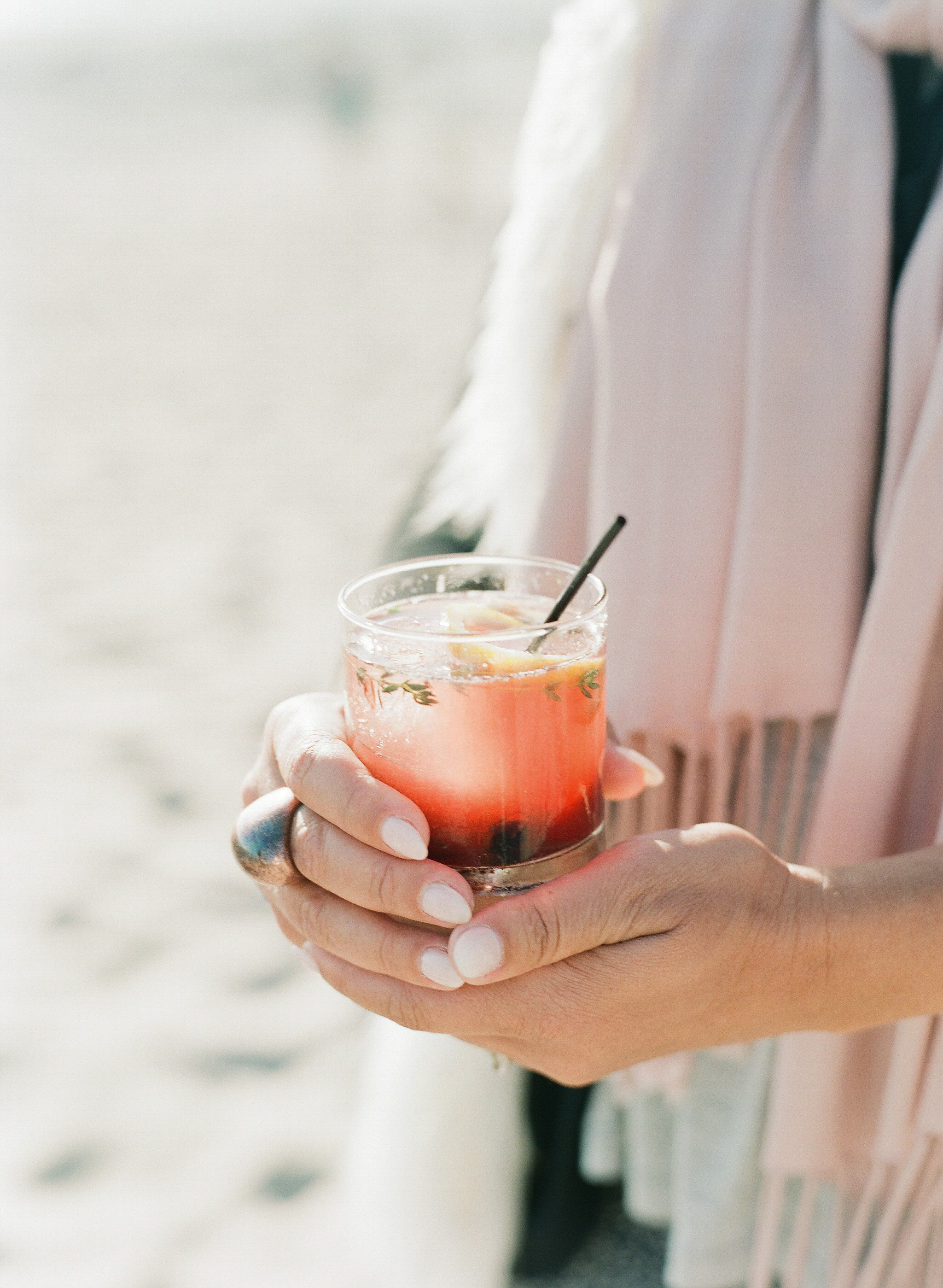 santabarbarawedidng.com | Michelle Bellar Photography | Signature Drink | Sunset Drink | gin Drink | XOXO Events