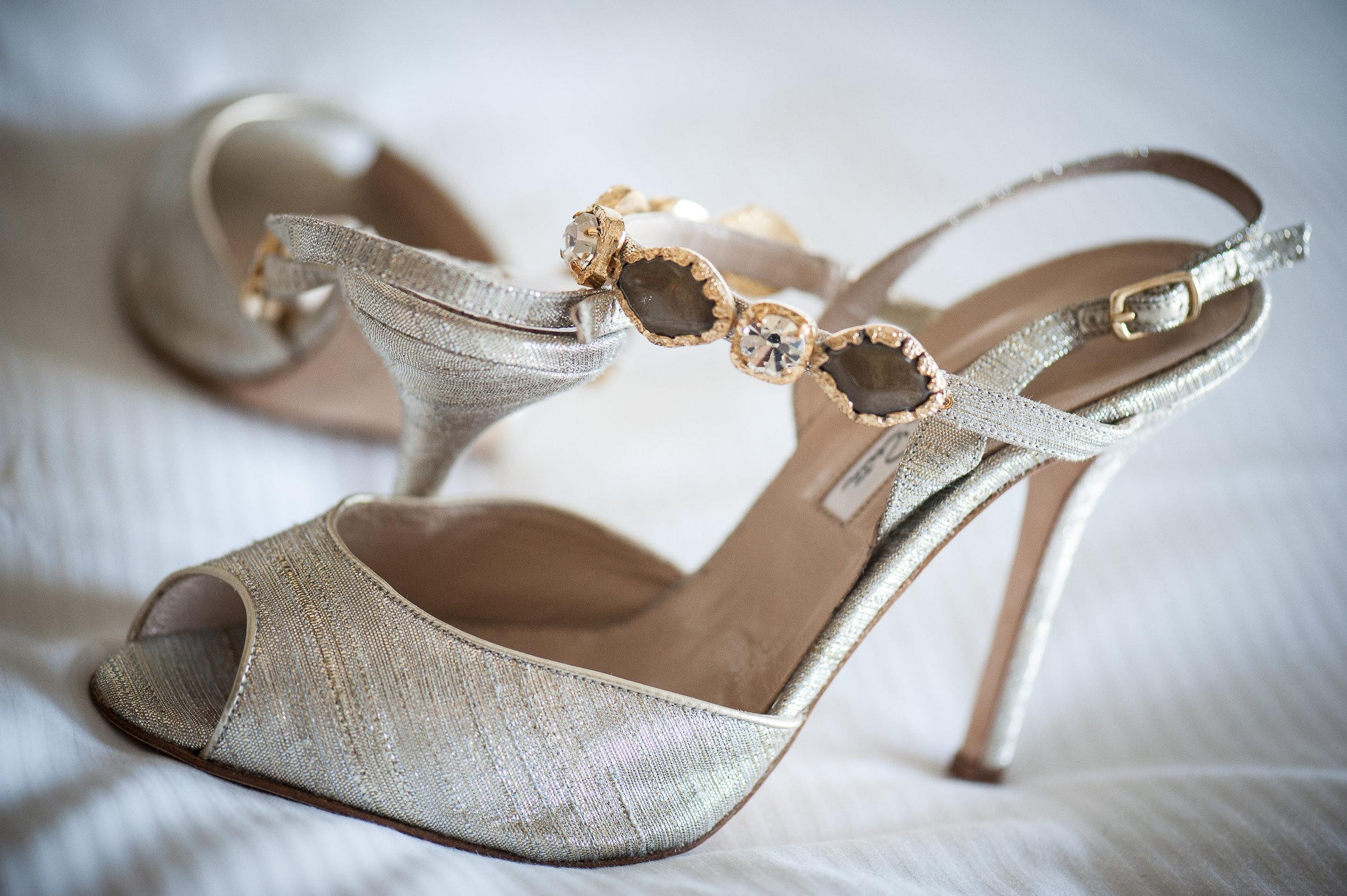 santabarbarawedding.com | Photo: By Cherry | Santa Barbara Courthouse wedding ideas