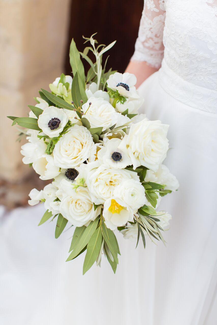santabarbarawedding.com | Ella & Louie Floral Design | Florist | Wedding Flower | White Bouquets