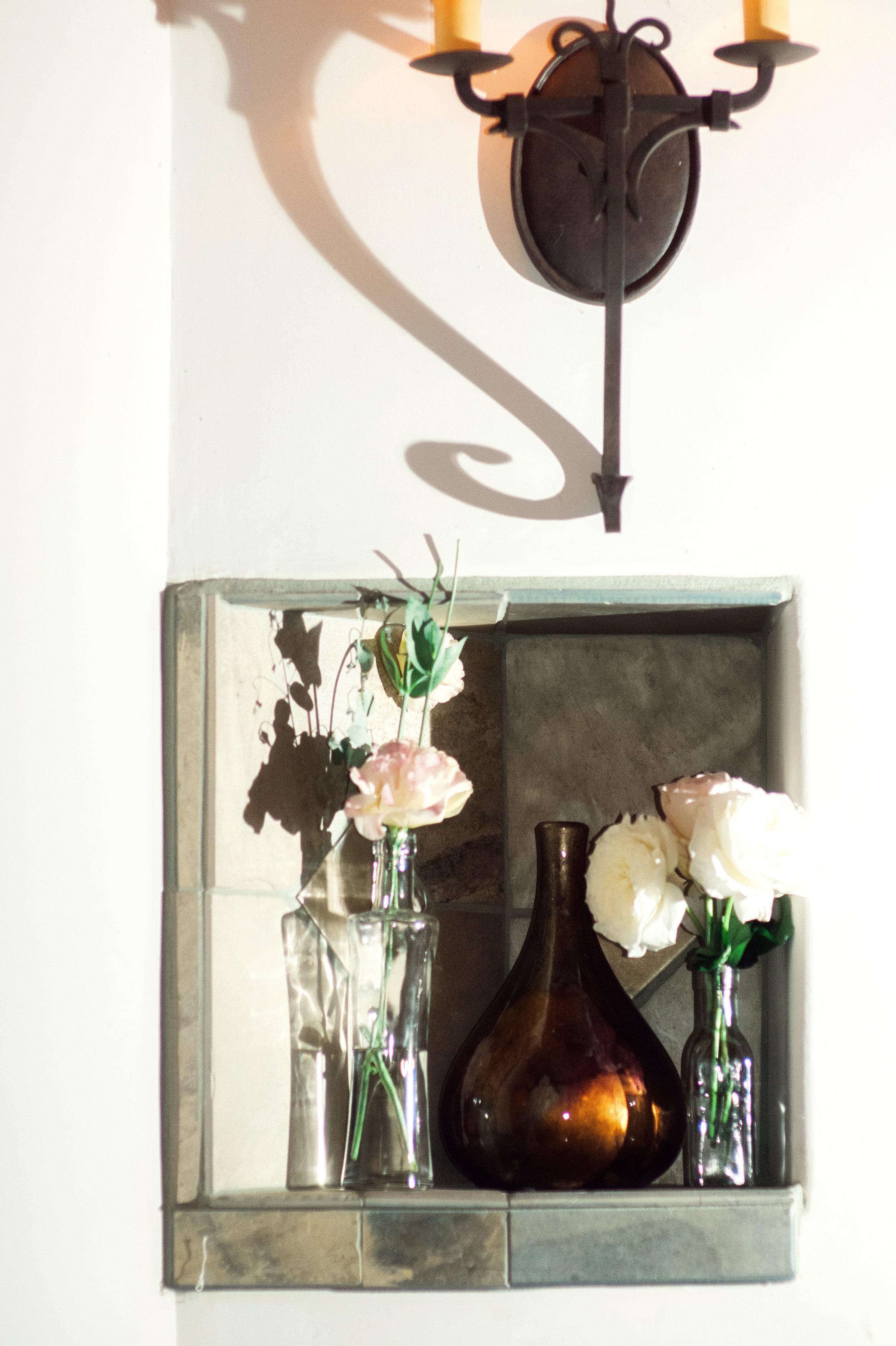 santabarbarawedding.com | Wisteria Lane Flroal Design Studio | Bride and Groom | Garden Roses | Tea Roses | WeddingDecor