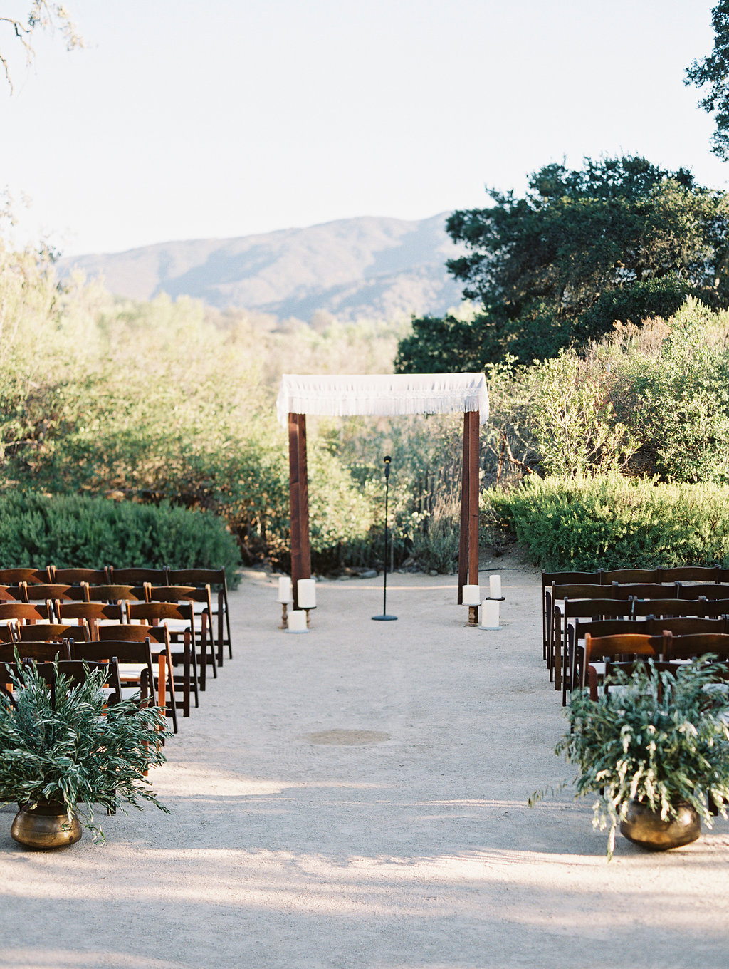 www.santabarbarawedding.com | soleil events | gold wedding inspiration | wedding ceremony | sunstone winery | Lavender and Twine