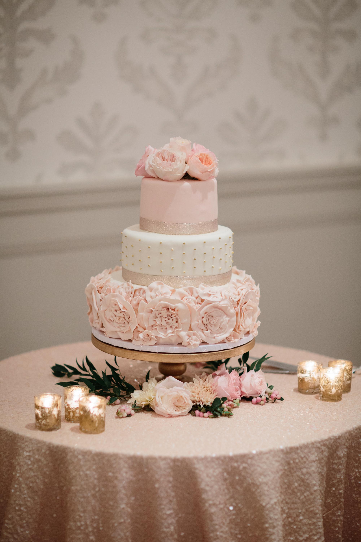 www.santabarbarawedding.com | Shane and Lauren Photography | Belmond El Encanto Santa Barbara | Hogue and Company | Wedding Cake