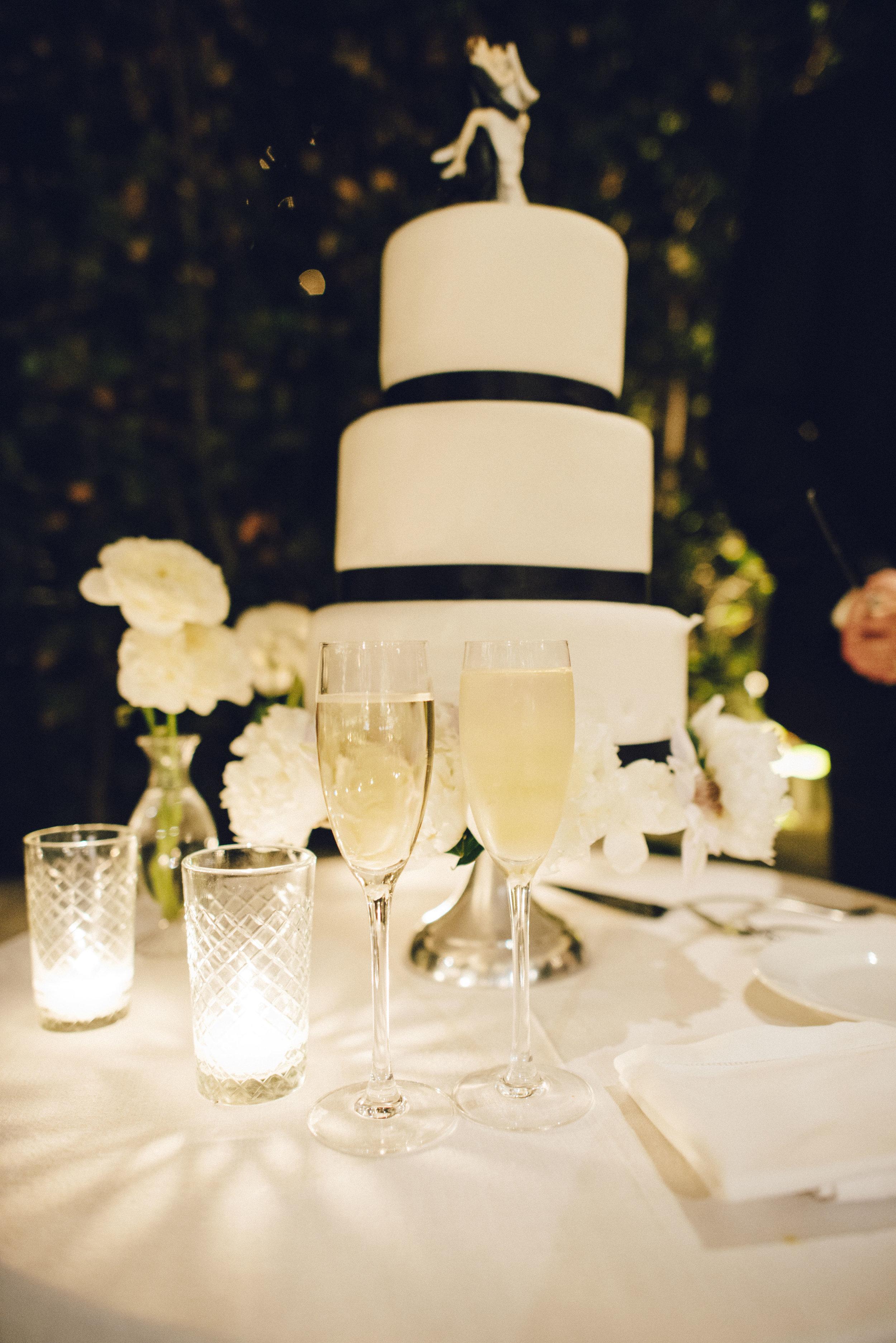 www.santabarbarawedding.com | San Ysidro Ranch | Pat Moyer Photography | Wedding Cake