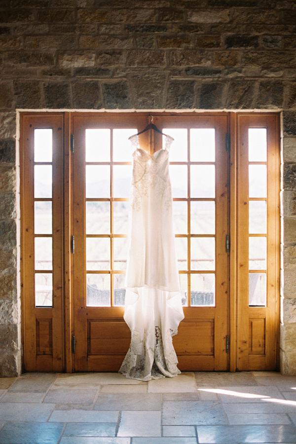 www.santabarbarawedding.com   Grace Kathryn Photography   Sunstone Winery   Wedding Dress