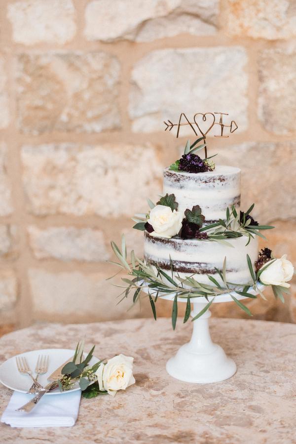 www.santabarbarawedding.com   Grace Kathryn Photography   Sunstone Winery   Wedding Cake