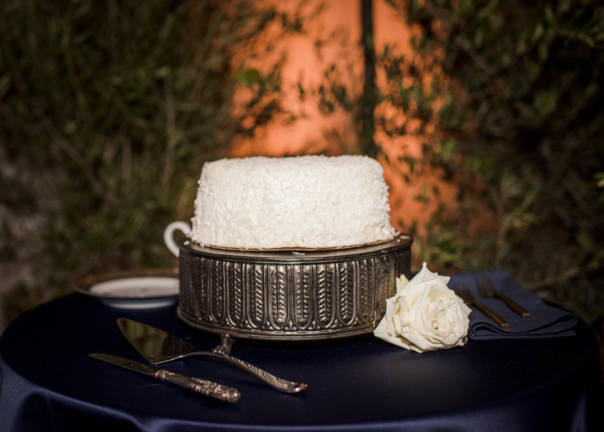 www.santabarbarawedding.com | Willa Kveta Photography | The Prop House Lounge and Warehouse | Wedding Cake