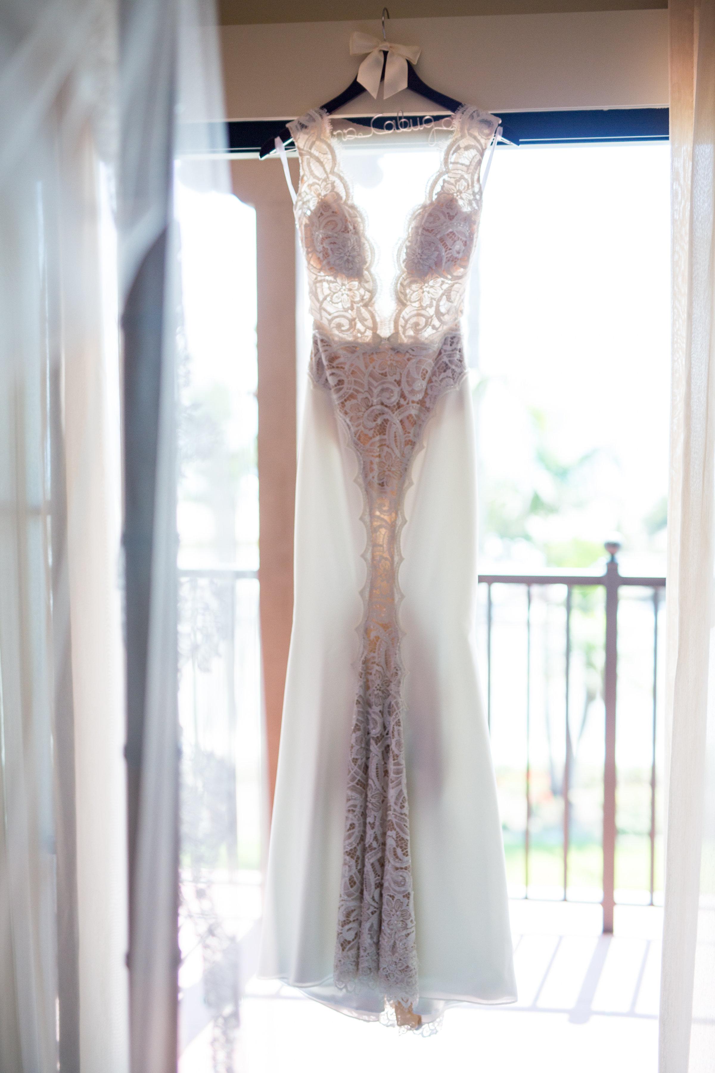 www.santabarbarawedding.com | Chris Schmitt Photography | Felici Events | Fess Parker Double Tree | Wedding Dress
