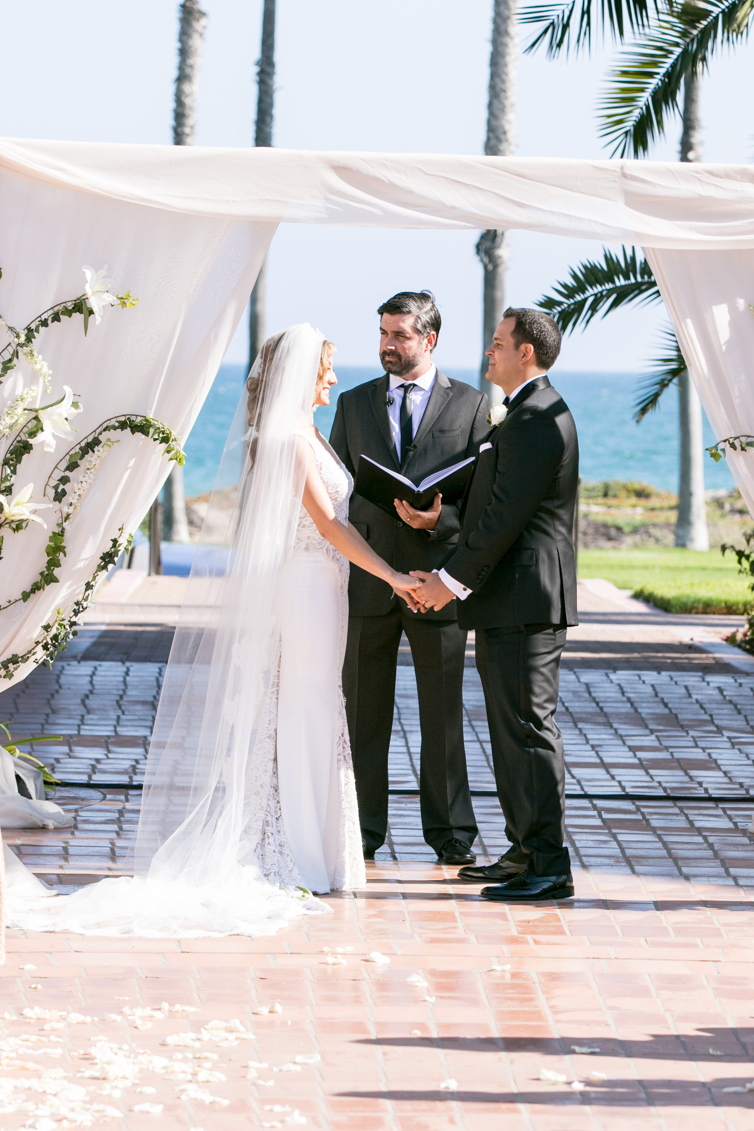 www.santabarbarawedding.com | Chris Schmitt Photography | Felici Events | Fess Parker Double Tree | Ceremony