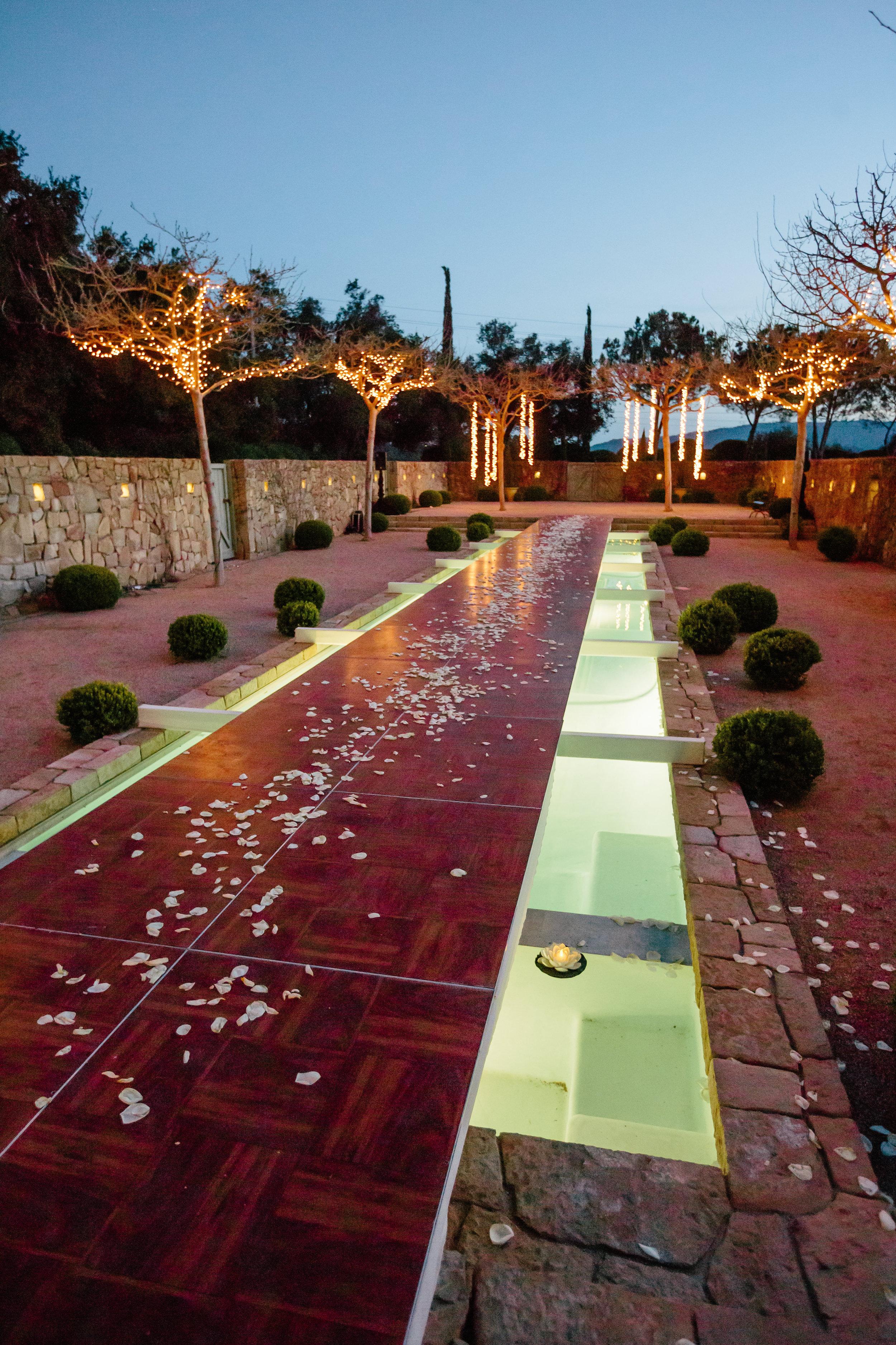 www.santabarbarawedding.com | Rewind Photography | Provence in Ojai | Pool Runway | Vigen's Party Rentals