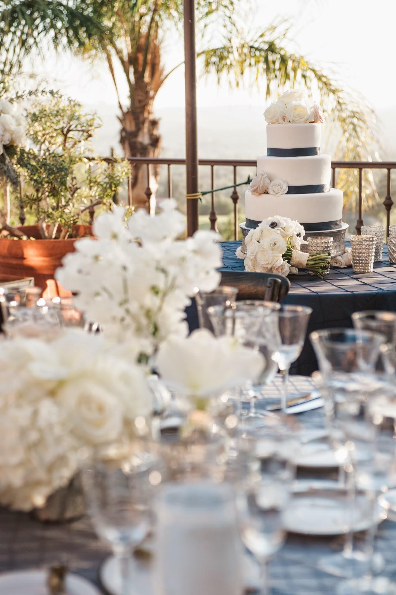 www.santabarbarawedding.com | Andrejka Photography | Villa Verano | Wedding Venue | Private Estate | Felici Events | Silver and Blue Reception