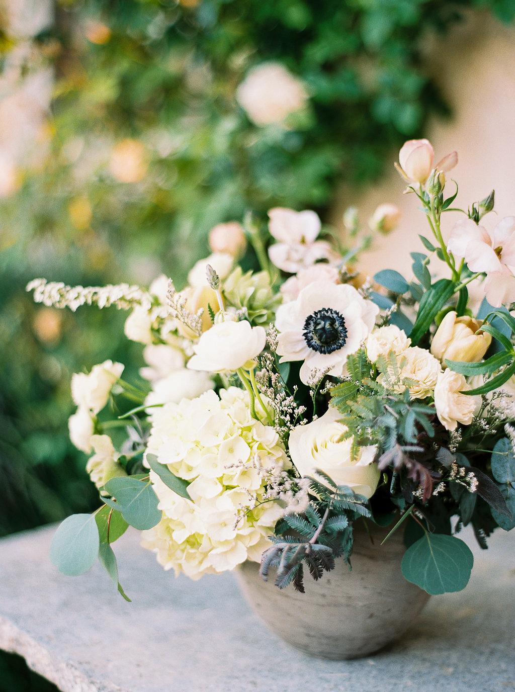 www.santabarbarawedding.com | Sunstone Winery | Jen Rodriguez | Dinner Party | Flower Arrangement