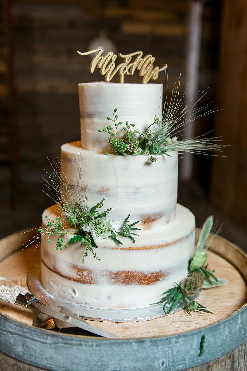 www.santabarbarawedding.com | Jessica Angell Photography | Apple Creek Ranch | Wedding Cake