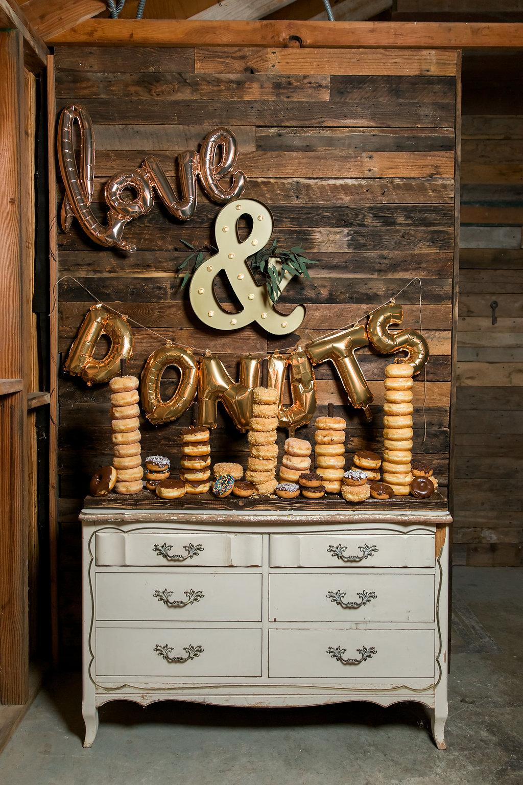 www.santabarbarawedding.com | Jessica Angell Photography | Apple Creek Ranch | Donut Bar